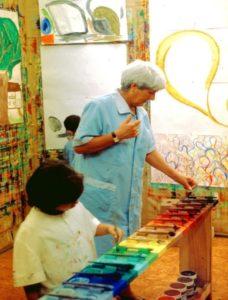 Educador con Pintura